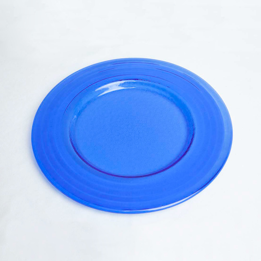 Bajo-plato-cristal-azul-oscuro