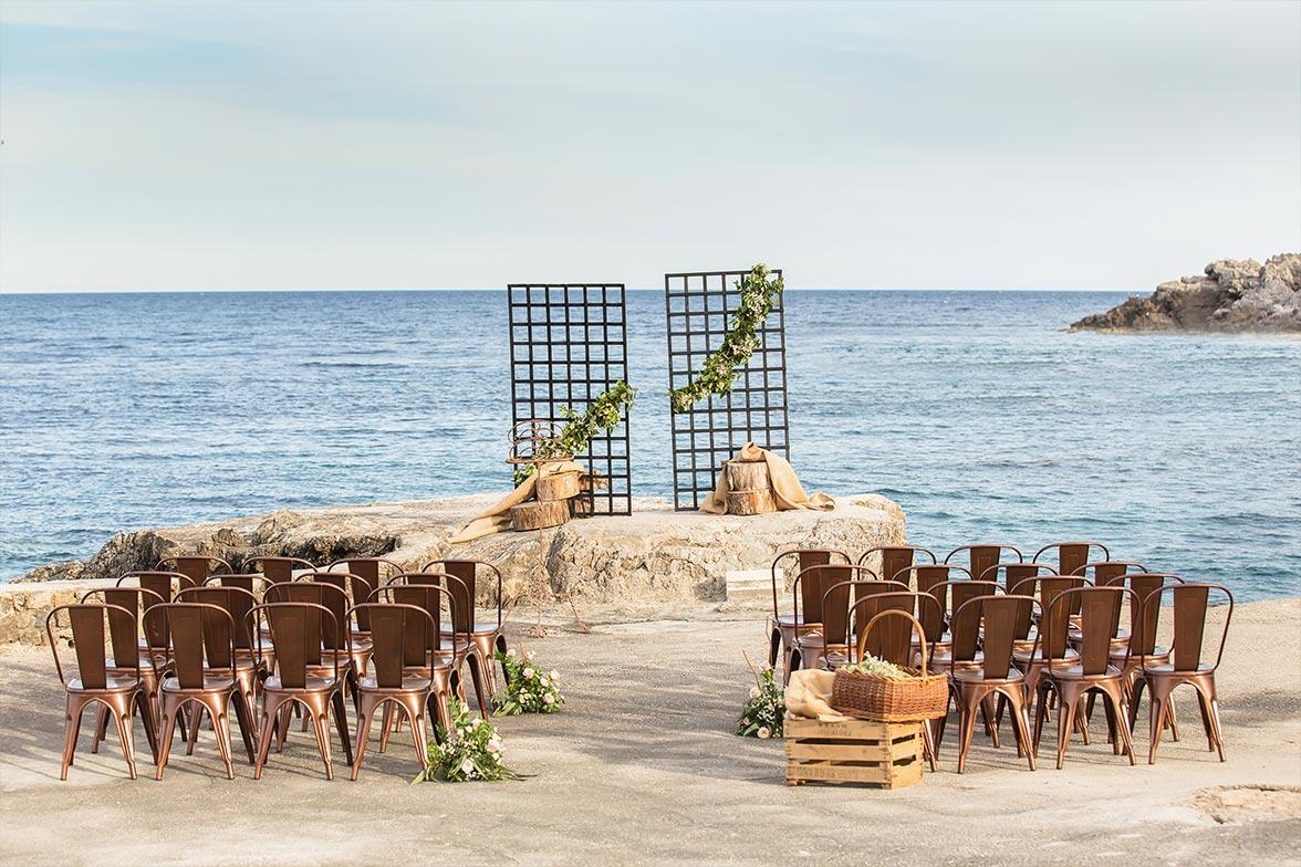 Sillas y decoracion para boda