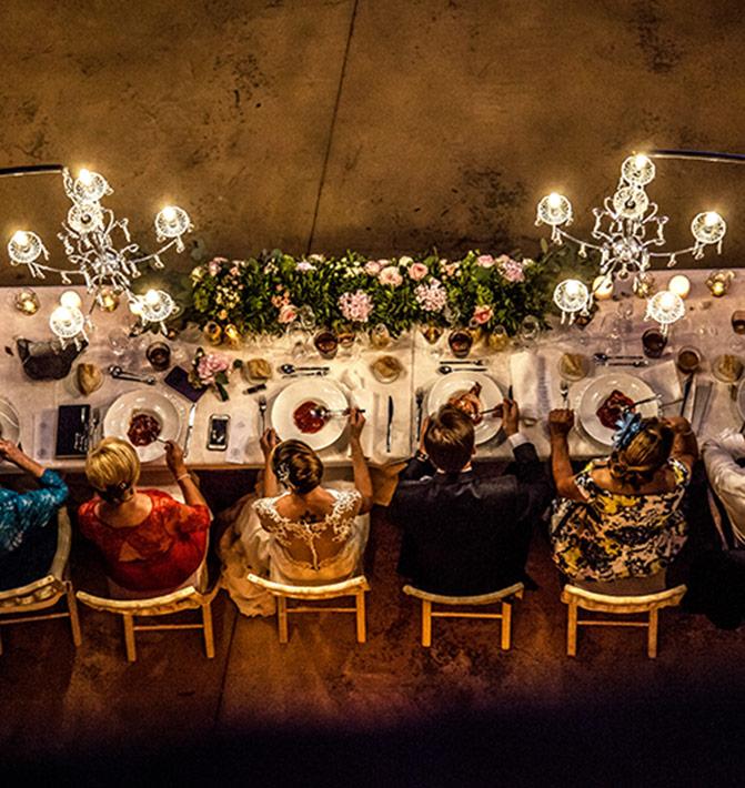 Mesa de boda vista desde arriba